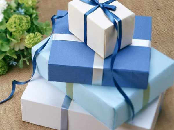 Mơ được tặng quà đánh con gì chắc tay dễ trúng nhất?
