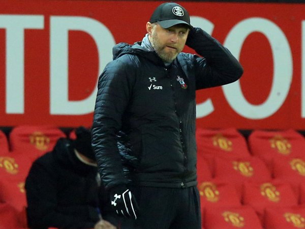 Tin bóng đá tối 3/2: Thua MU 0-9, HLV Southampton nói lời cay đắng