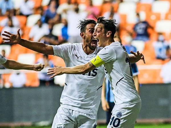 Tin bóng đá 17/8: Mesut Ozil vỡ òa ghi bàn đầu tiên sau 18 tháng